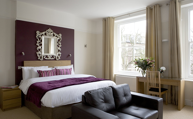 Double bedroom at Clifton House B&B Bristol