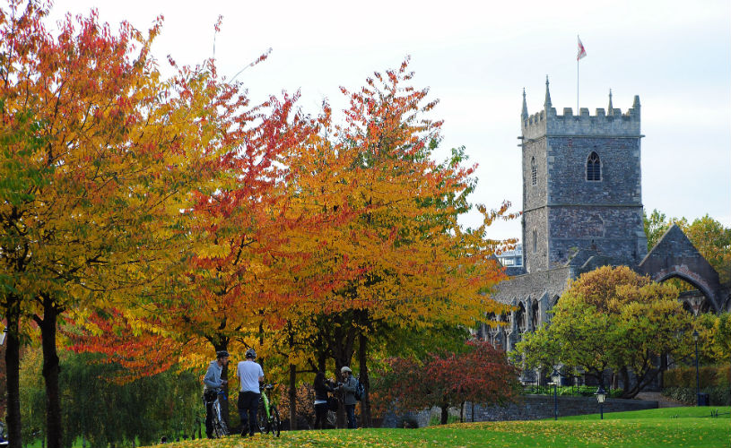 Castle Park - Bristol's best parks for autumn leaf-peeping
