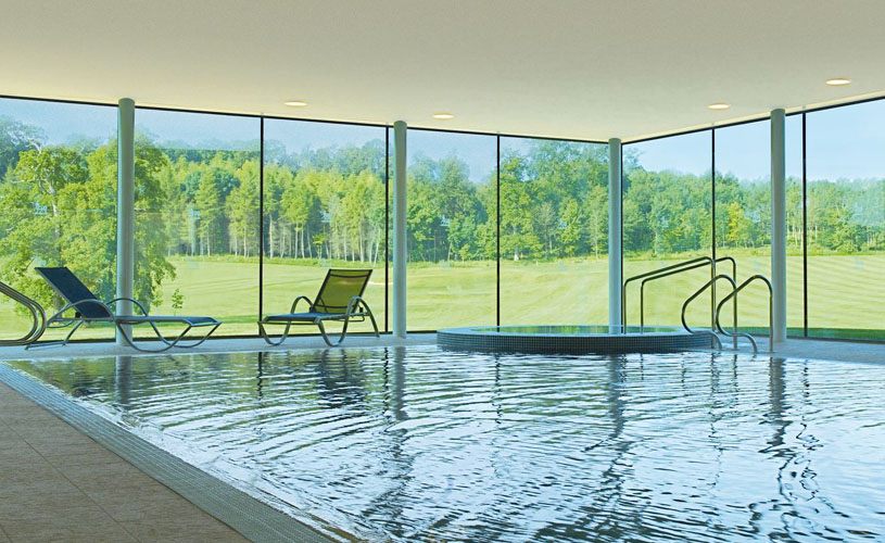 Bowood Spa infinity pool