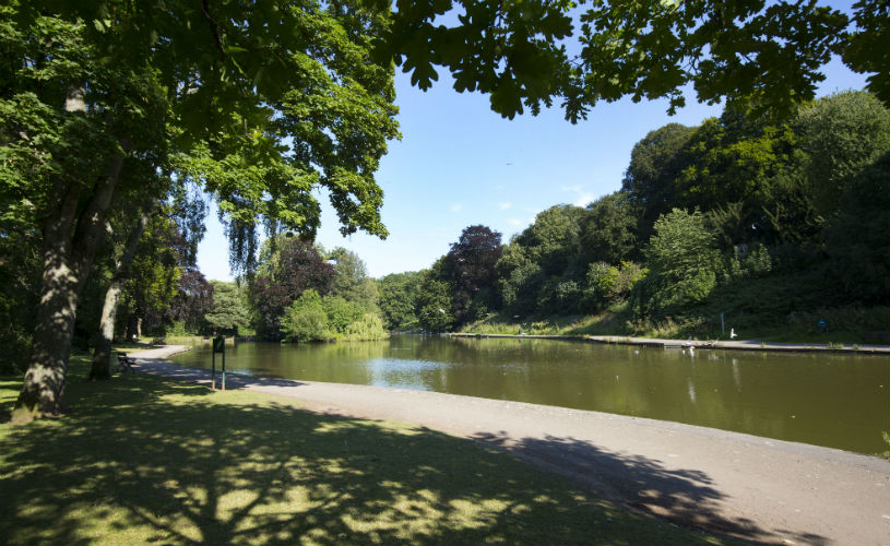 Eastville Park - Bristol's best parks for autumn leaf-peeping