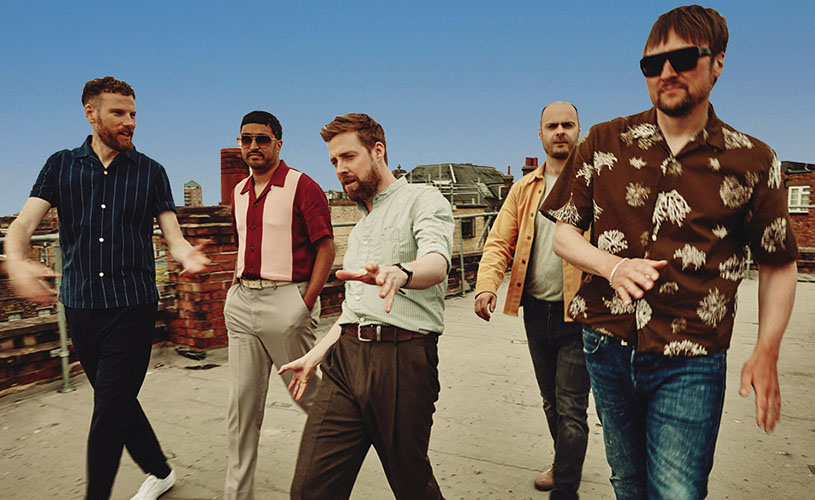 Kaiser Chiefs to perform live at Bath Racecourse in 2020