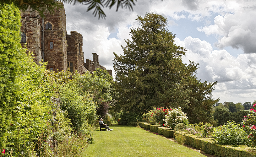 The gardens at Berkeley Castle