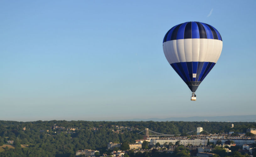 hot air balloon ride over Bristol - ultimate Bristol Christmas gift guide