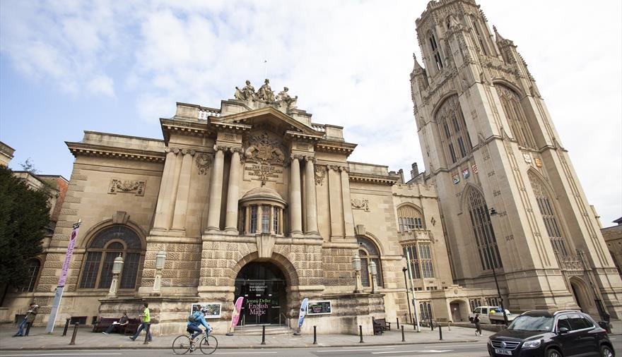 """Résultat de recherche d'images pour """"bristol city museum and art gallery"""""""