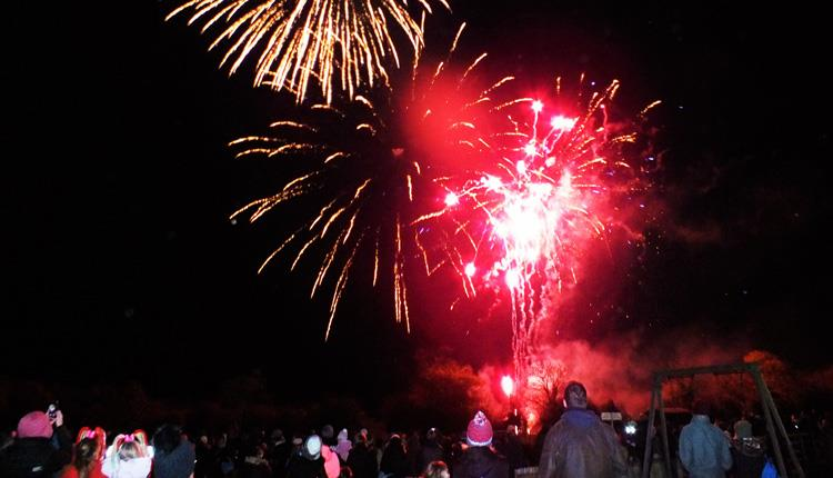 bonfire night fireworks display at puxton park visit bristol