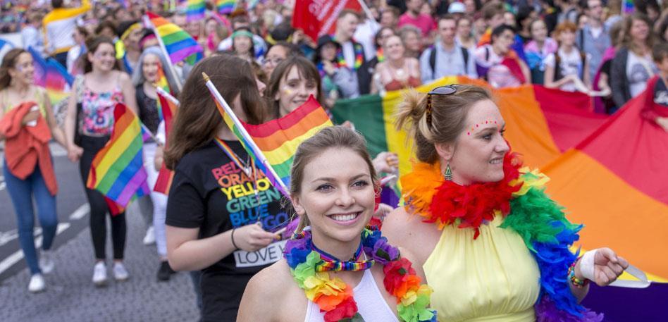 Outshopping gay pride