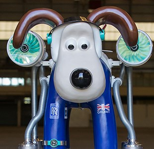 Gromit Unleashed 2: North, East, South and West Trails city guide