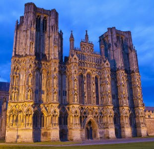 Top 5 things to do on a day trip to medieval Wells