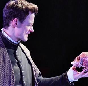 Review: Hamlet at Tobacco Factory Theatres