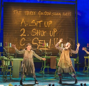 Review - Annie at Bristol Hippodrome