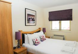 Your Stay Bristol - Cotham Lawn bedroom