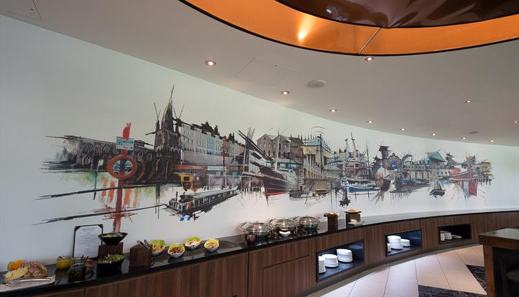 The Urban Bar & Kitchen at Mercure Holland House Hotel