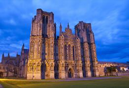 Wells Cathedral Christmas Family Crib Service