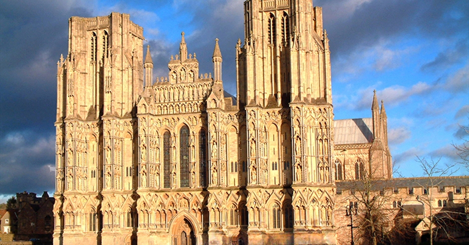 Wells cathedral visit bristol - Cheddar gorge hotels with swimming pools ...