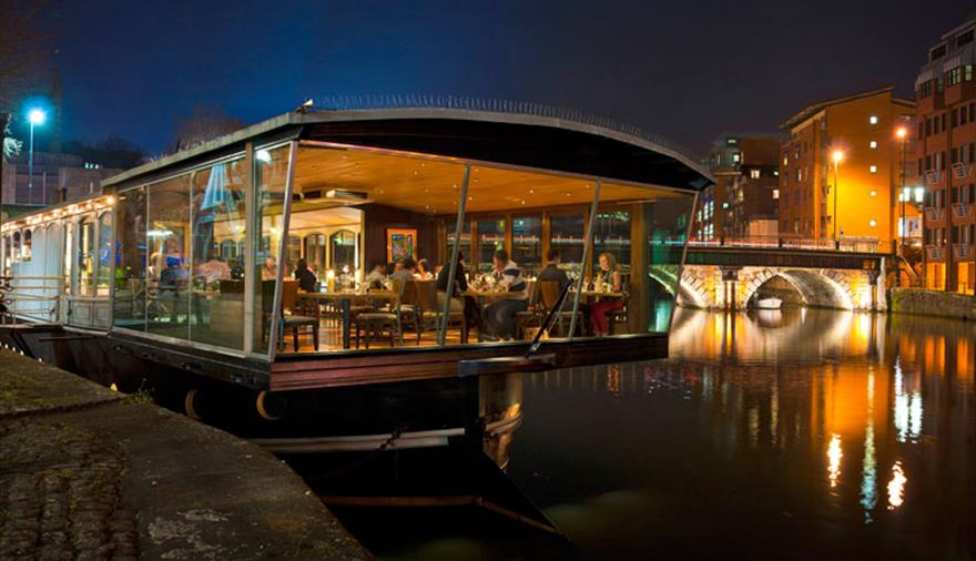 Evening dining at the Glassboat